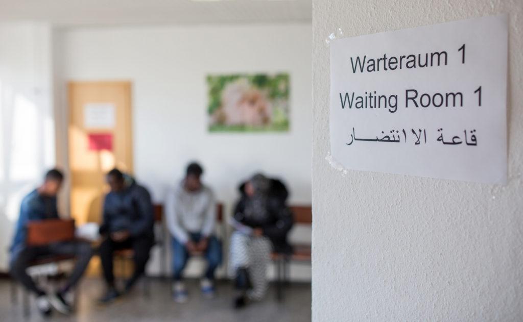 Handbuch soll Arbeit mit Flüchtlingen erleichtern